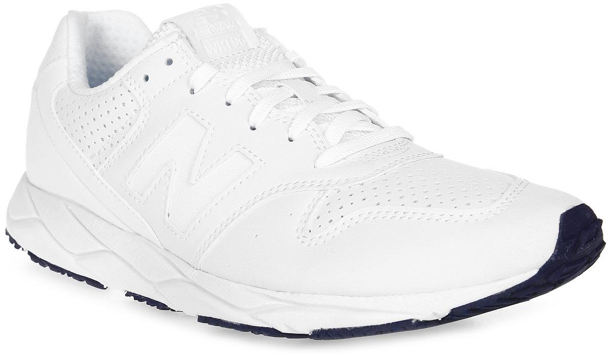 Кроссовки женские New Balance 96, цвет: белый. WRT96PTC/B. Размер 5 (35)WRT96PTC/BСтильные женские кроссовки от New Balance придутся вам по душе. Верх модели выполнен из натуральной кожи. По бокам обувь оформлена декоративными элементами в виде фирменного логотипа бренда, на язычке - фирменной нашивкой, задник логотипом бренда. Классическая шнуровка надежно зафиксирует изделие на ноге. Подошва оснащена рифлением для лучшей сцепки с поверхностями. Удобные кроссовки займут достойное место среди коллекции вашей обуви.
