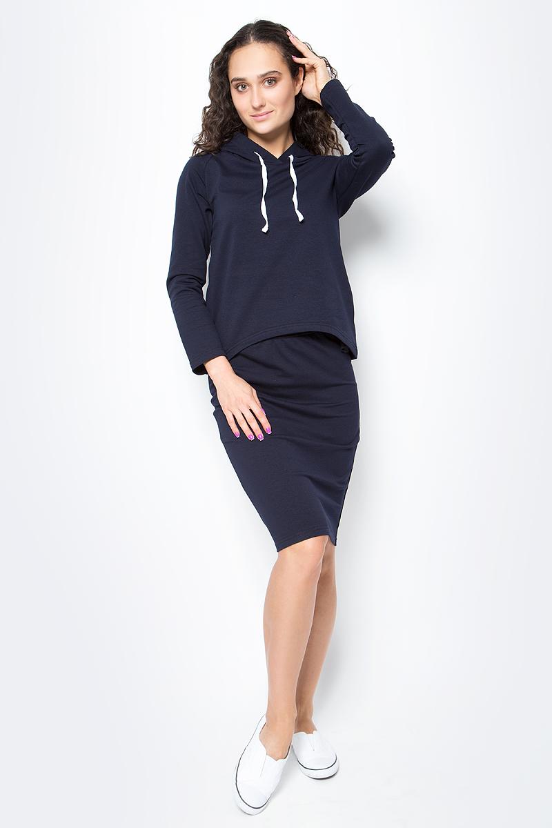 Костюм женский Rocawear, цвет: темно-синий. R021752. Размер L (48)R021752Костюм женский Rocawear изготовлен из качественной смесовой ткани и состоит из толстовки и юбки. Легкий и стильный костюм подходит как для спорта,так и для повседневной носки. Толстовка свободного кроя до середины бедра дополнена капюшоном. Спинка толстовки ниже переда. Слегка зауженная юбка выполнена с резинкой по талии.