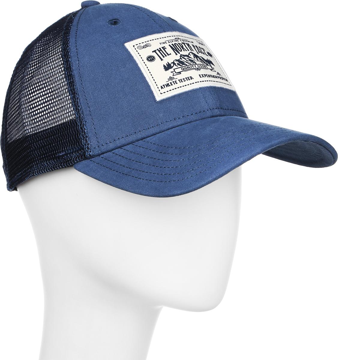 Бейсболка The North Face Mudder Trucker Hat, цвет: голубой. T0CGW2HDC. Размер универсальныйT0CGW2HDCСтильная бейсболка The North Face Mudder Trucker Hat, выполненная из натурального хлопка, идеально подойдет для прогулок, занятия спортом и отдыха. Она надежно защитит вас от солнца и ветра. Классическая кепка с сетчатой задней частью станет правильным выбором. Изделие оформлено нашивкой с логотипом бренда. Объем бейсболки регулируется пластиковым фиксатором.Ничто не говорит о настоящем любителе путешествий больше, чем любимая кепка - такая как эта классическая кепка Mudder Trucker Hat, выполненная в состаренном винтажном стиле. Эта модель станет отличным аксессуаром и дополнит ваш повседневный образ.
