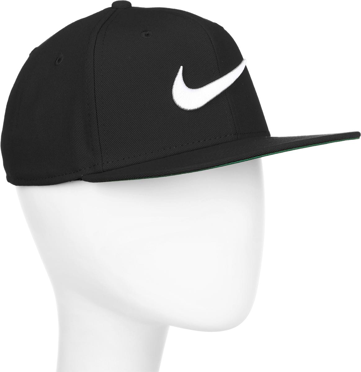 Бейсболка Nike Swoosh Pro, цвет: черный. 639534-011. Размер универсальный639534-011Бейсболка Swoosh Proот Nike выполнена из полиэстера. Модель имеет плотный козырек и оформлена эмблемой бренда.