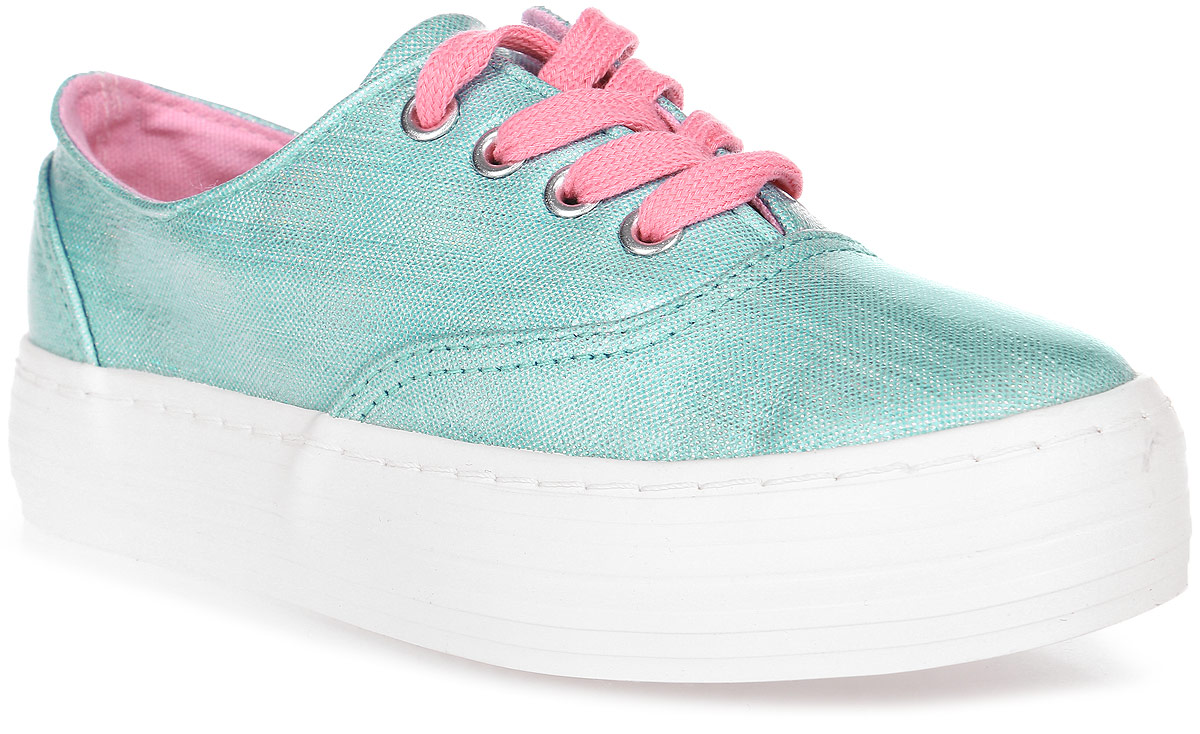 Полуботинки для девочки Patrol, цвет: голубой. 914-268CS-17s-8-14. Размер 34914-268CS-17s-8-14Стильные полуботинки от Patrol - отличный выбор на лето для вашей девочки. Верх модели выполнен из плотного текстиля.Шнуровка на подъеме обеспечивает надежную фиксацию обуви на ноге. Подкладка и стелька из материала канвас создают комфорт при носке. Подошва выполнена из резины.Рифление на подошве обеспечивает отличное сцепление с любой поверхностью.Модные и комфортные полуботинки - необходимая вещь в гардеробе каждого ребенка.