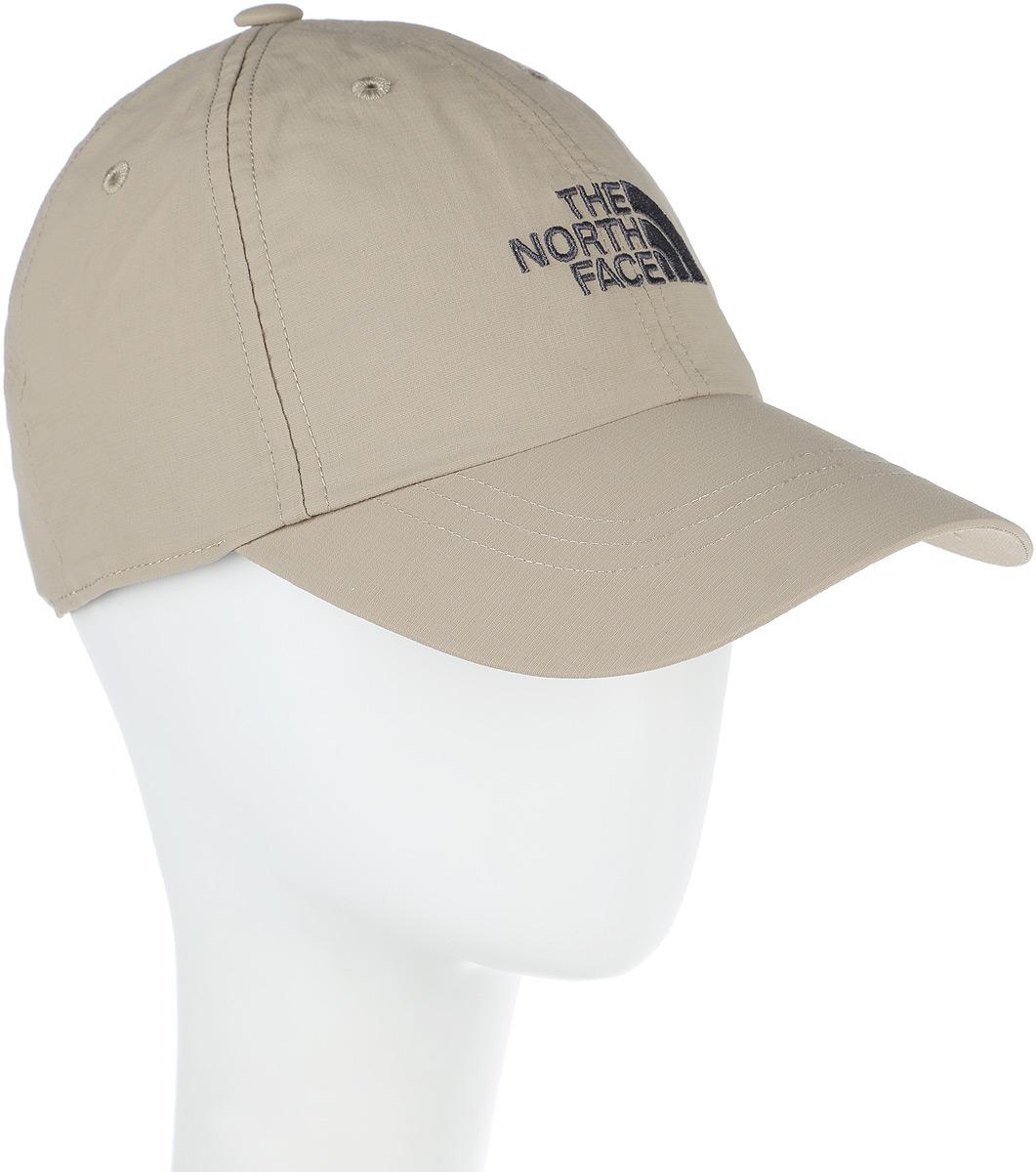 Бейсболка The North Face Horizon Hat, цвет: темно-бежевый. T0CF7W0SS. Размер S/M (56/57)T0CF7W0SSСтильная бейсболка The North Face Horizon Ball идеально подойдет для прогулок, занятия спортом и отдыха. Бейсболка, выполненная из 100% нейлона, надежно защитит вас от солнца и ветра. Модель имеет классическую конструкцию из шести панелей и специальные вентиляционные отверстия. Внутри расположена эластичная полоска. Изделие оформлено вышивкой с логотипом бренда. Объем бейсболки регулируется при помощи хлястика с пряжкой.Horizon Ball Cap - стильная кепка для летних приключений. Эта модель станет отличным аксессуаром и дополнит ваш повседневный образ.