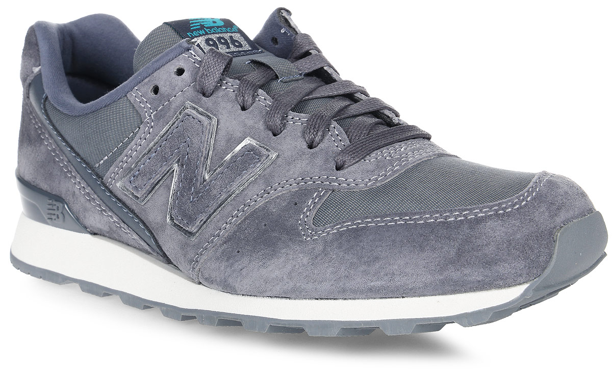 Кроссовки женские New Balance 996, цвет: серый. WR996EB/D. Размер 8,5 (40)WR996EB/DСтильные женские кроссовки от New Balance придутся вам по душе. Верх модели выполнен из высококачественныхматериалов. По бокам обувь оформлена декоративными элементами в виде фирменного логотипа бренда, на язычке - фирменной нашивкой, задник логотипом бренда. Классическая шнуровка надежно зафиксирует изделие на ноге. Подкладка и стелька, изготовленные из текстиля, гарантируют уют и предотвращают натирание. Подошва оснащена рифлением для лучшей сцепки с поверхностями. Удобные кроссовки займут достойное место среди коллекции вашей обуви.