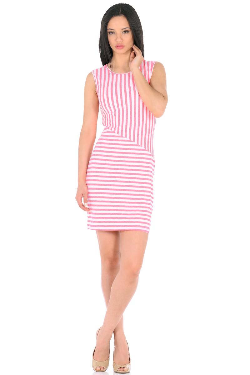 Платье HomeLike, цвет: молочный, розовый. 855. Размер 46855Трикотажное платье-мини HomeLike в полоску, полуприталенного силуэта, без рукавов, с округлым вырезом горловины. Ассиметричное соединение верха и низа, образует геометрический рисунок, который визуально корректирует силуэт. Благодаря приятной ткани с высоким содержанием вискозы и правильному крою с вытачками, платье отлично садится по фигуре, обеспечивая комфорт, легкость и свободу движениям.