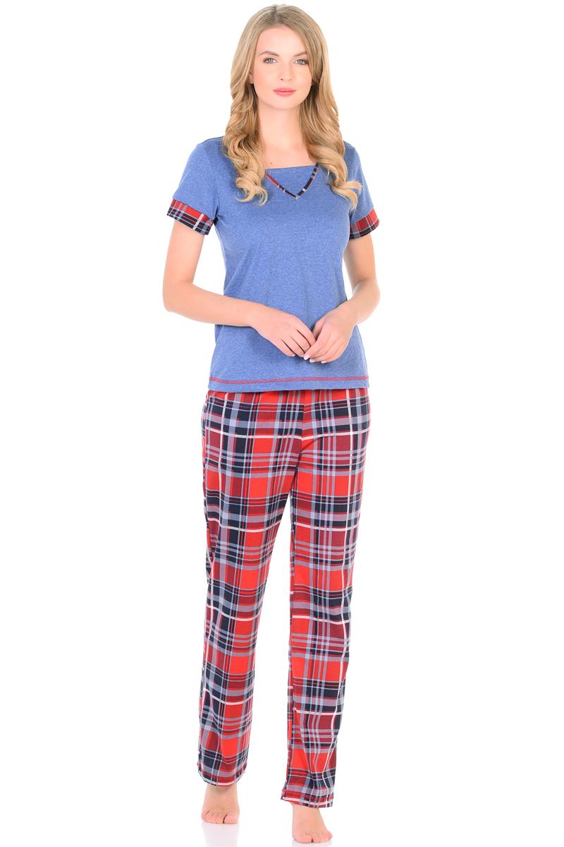 Домашний комплект женский HomeLike: футболка, брюки, цвет: синий, красный. 867. Размер 46867Комплект домашней одежды HomeLike, состоящий из футболки и брюк, изготовлен из трикотажного полотна кулирка. Футболка в цвете меланж, прямого покроя, с короткими рукавами, V-образный вырез горловины дополнен вставкой и обработан контрастной окантовкой в тон брюкам и манжетам на рукавах, нижний край подчеркивает декоративная отстрочка. Брюки из принтованной кулирки, прямого покроя, с резинкой в поясе. Комплект отлично сидит по фигуре, обеспечивает комфорт и свободу движениям.
