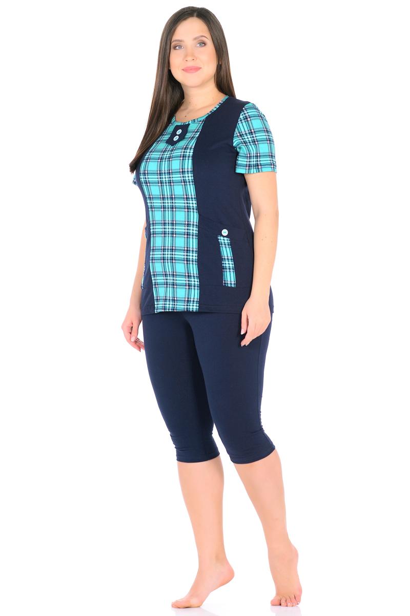 Домашний комплект женский HomeLike: футболка, бриджи, цвет: темно-синий, зеленый. 878. Размер 54878Комплект домашней одежды HomeLike, состоящий из футболки и бридж, выполнен из трикотажного полотна. Футболка прямого покроя в комбинированной расцветке, с короткими рукавами, с округлым вырезом горловины, в рельефах практичные накладные карманы с декором пуговицами, вырез оформлен декоративной планкой с двумя пуговицами. Бриджи прямого покроя, ниже колена, с поясом на резинке. Сочетая комфортные характеристики в носке и современный дизайн, данный комплект удобен в качестве одежды для дома и дачи, а так же подойдет и для летних прогулок или отдыха на природе.