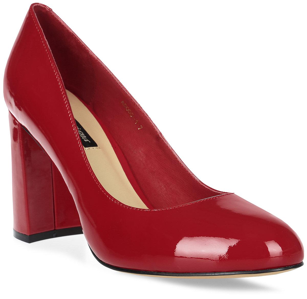 Туфли женские Graciana, цвет: красный. A5065-1-7. Размер 36A5065-1-7Женские туфли от Graciana на широком каблуке выполнены из натуральной лаковой кожи. Подкладка, изготовленная из натуральной кожи, обладает хорошей влаговпитываемостью и естественной воздухопроницаемостью. Стелька из натуральной кожи гарантирует комфорт и удобство стопам. Подошва из тунита износоустойчива и обеспечивает хорошее сцепление с поверхностью.