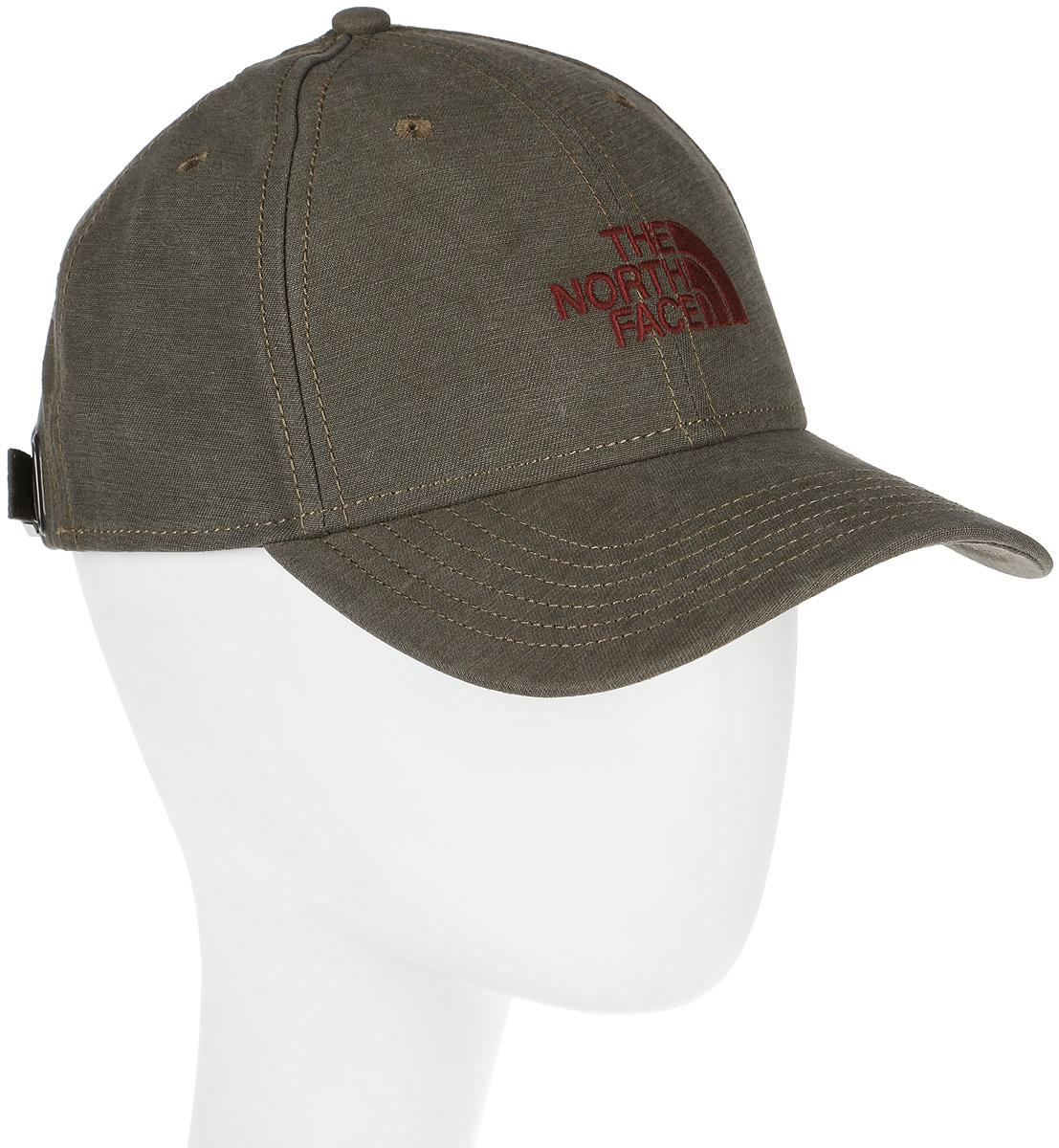 Бейсболка The North Face 66 Classic Hat, цвет: коричневый. T0CF8CNXL. Размер универсальныйT0CF8CNXLБейсболка, выполненная из натурального хлопка, надежно защитит вас от солнца и ветра. Модель имеет классическую конструкцию из шести панелей и специальные вентиляционные отверстия. Изделие оформлено вышивкой с логотипом бренда. Ничто не говорит о настоящем любителе путешествий больше, чем любимая кепка - такая как классическая кепка 66 Classic Hat, выполненная в состаренном винтажном стиле.