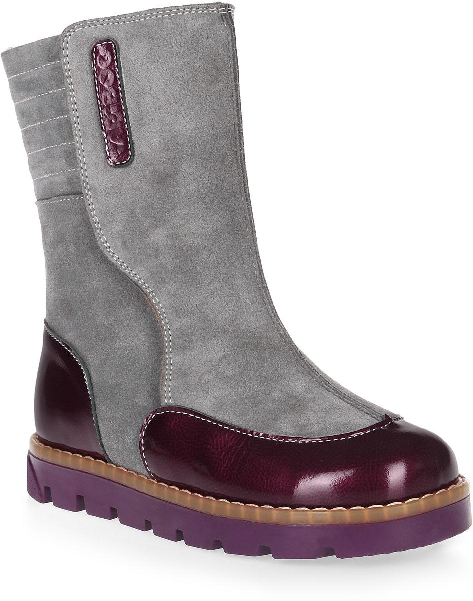 Сапоги детские TapiBoo, цвет: серый, бордовый. FT-22001.16-OL12O.01. Размер 30FT-22001.16-OL12O.01Утепленные детские сапоги от TapiBoo, выполненные из натуральной кожи, оформлены нашивкой с названием бреда. Подкладка из байки Lanatex поддерживает комфортную температуру внутри обуви при погодных условиях от +5 до -5 градусов. Упругая анатомическая стелька помогает правильно сформировать стопу. Модель дополнена жестким фиксирующим задником с удлиненным крылом, который надежно стабилизирует голеностопный сустав во время ходьбы. Застежки типа велкро позволяют оптимально подогнать полноту обуви по ноге ребенка (большой подъем или вложение специальных вкладных ортопедических приспособлений), обеспечивая при этом оптимальную фиксацию стопы. Подошва из ТЭП обеспечивает превосходное сцепление с поверхностью и высокую устойчивость к деформациям, низким температурам и плохой погоде и гарантирует полную водонепроницаемость. Также подошва имеет перекат позволяющий повторить естественное движение стопы при ходьбе для правильного распределения нагрузки на опорно-двигательный аппарат ребенка.