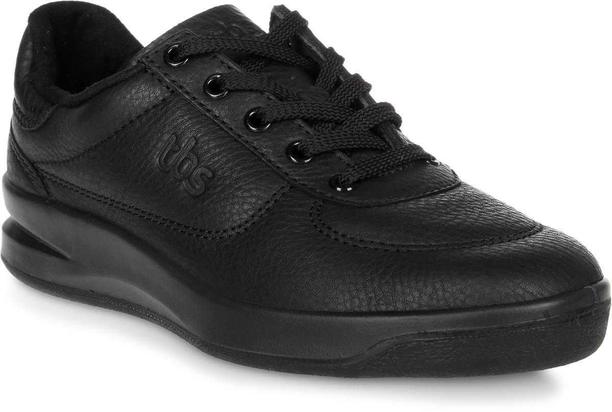 Кроссовки женские TBS Brandy, цвет: черный. BRANDY-B7A04. Размер 39 (38)BRANDY-B7A04Стильные женские кроссовки Brandy от TBS - это легкость и свобода движения каждый день! Функциональные, практичные, удобные, они подходят для городской жизни и активного отдыха. Дизайн обуви позволяет носить ее под одежду любого стиля. Модель выполнена из натуральной кожи и оформлена фирменным тиснением сбоку, декоративной прострочкой и перфорацией в области пятки. Внутренняя отделка и стелька исполнены из мягкого текстильного материала. Шнуровка надежно фиксирует изделие на ноге. Резиновая подошва с рельефной поверхностью обеспечивает идеальное сцепление. В таких кроссовках вы всегда будете выглядеть модно и стильно.
