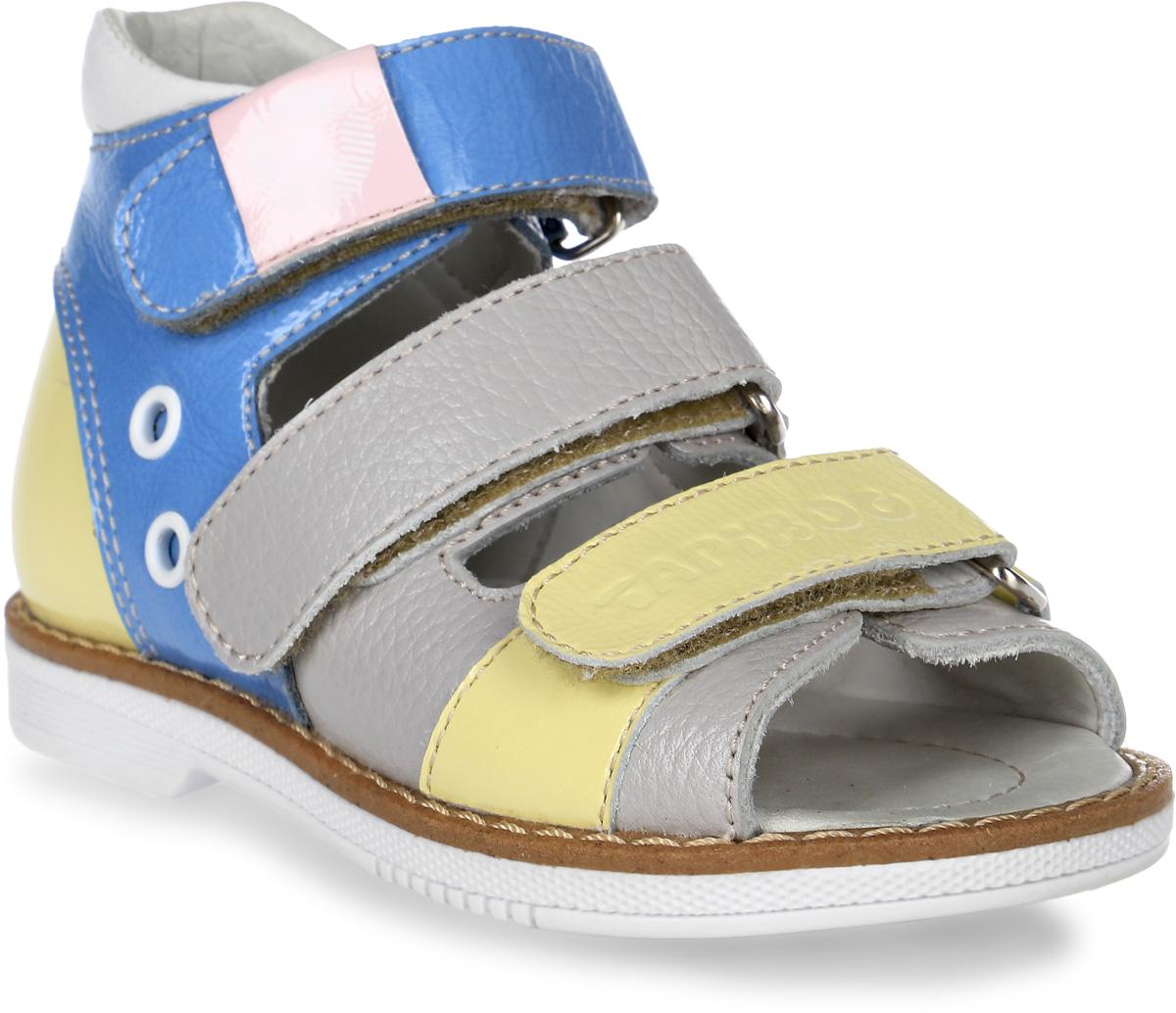 Сандалии детские TapiBoo, цвет: сладкая вата, серый, желтый, голубой. FT-26006.16-OL09O.01. Размер 27FT-26006.16-OL09O.01Стильные сандалии от TapiBoo придутся по душе вашему ребенку. Модель, выполненная из натуральной кожи, оформлена прострочкой вдоль ранта, фирменной нашивкой и фирменным тиснением. Внутренняя поверхность из натуральной кожи гарантирует комфорт при движении. Анатомическая стелька из натуральной кожи с супинатором обеспечивает правильное формирование стопы. Жесткий фиксирующий задник с удлиненным крылом надежно стабилизирует голеностопный сустав во время ходьбы. Застегивается модель на три ремешка с липучками. Упругая подошва, имеющая перекат, позволяет повторять естественное движение стопы при ходьбе для правильного распределения нагрузки на опорно-двигательный аппарат ребенка. Ортопедический каблук Томаса укрепляет подошву под средней частью стопы и препятствует ее заваливанию внутрь. Рельефный рисунок подошвы обеспечивает сцепление с любыми поверхностями. Такие сандалии станут незаменимыми в гардеробе вашего ребенка.