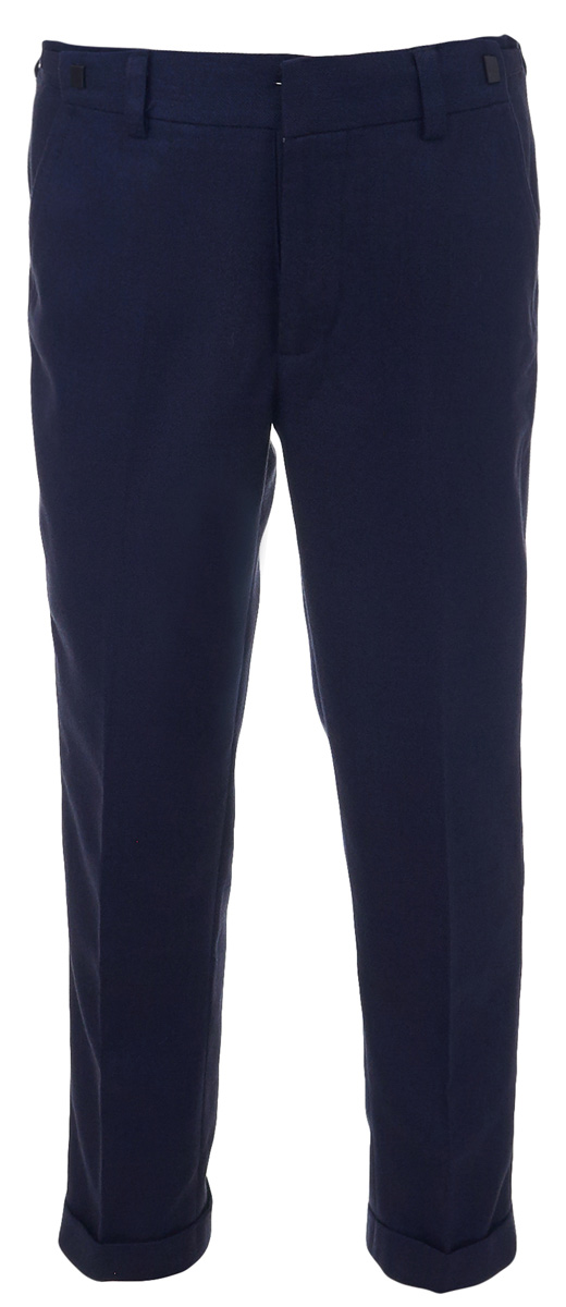 Брюки для мальчика Gulliver, цвет: синий. 217GSBC6301. Размер 140217GSBC6301Классические брюки для мальчика - основа повседневного школьного гардероба. В сочетании с любым верхом, они смотрятся строго, настраивая на деловую волну. Школьные брюки с манжетом - прекрасный вариант для тех, кто идет в ногу со временем и хочет выглядеть стильно и современно. Хороший состав ткани с модным зернистым переплетением обеспечивает брюкам достойный вид, долговечность и неприхотливость в уходе. Брюки имеют удобную регулировку пояса, создающую комфортную посадку изделия на любой фигуре.