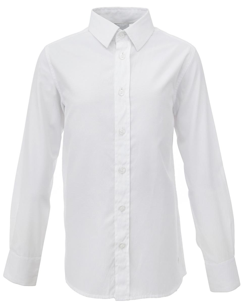 Рубашка для мальчика Gulliver, цвет: белый. 217GSBC2302. Размер 158217GSBC2302Школьная рубашка - классика жанра! Строгая, лаконичная, элегантная рубашка для школы настроит на серьезный и ответственный подход к делу. Хороший состав, качество и текстура ткани, модный силуэт, актуальная форма воротника делают рубашку отличным решением на каждый день, позволяющим ребенку чувствовать себя уверенно и достойно. Если вы хотите купить рубашку для ежедневного комфорта и отличного внешнего вида ребенка, детская рубашка от Gulliver- лучшее решение. Она сделает образ ученика стильным, свежим, интересным.