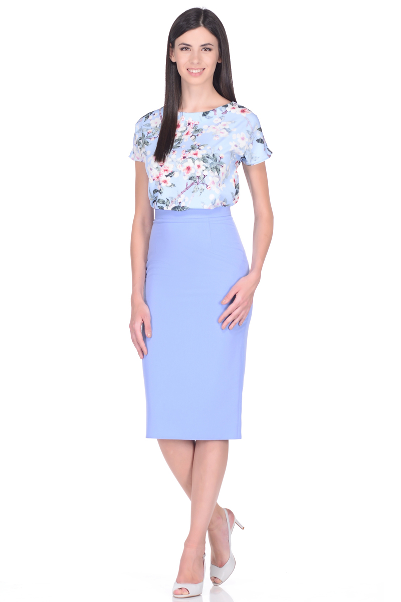 Блузка женская EseMos, цвет: голубой, розовый. 109. Размер 48109Женственная блузка EseMos прямого силуэта, с короткими цельнокроеными рукавами и с округлым вырезом горловины. Модель изготовлена из искусственного шелка, материал в красивой расцветке, приятный, легкий и почти не мнется. Современная обработка искусственного шелка делает материал слегка эластичным, благодаря этому блузка отлично садится по фигуре, не сковывает движений, создает чувство легкости и комфорта.