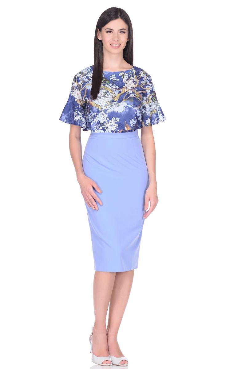 Блузка женская EseMos, цвет: синий, голубой, зеленый. 110. Размер 50110Элегантная блузка EseMos из легкого материала в изысканной расцветке. Модель прямого покроя, с округлым вырезом горловины. Короткие цельнокроеные рукава оформлены великолепными воланами, которые эффектно украшают лаконичный фасон. Блузка превосходно садится по фигуре, обеспечивая комфорт. Красивая расцветка на ткани привлекает внимание, подчеркивает женственность, придавая образу еще больше очарования.