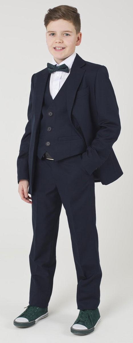 Брюки для мальчика Gulliver, цвет: темно-синий. 217GSBC6304. Размер 152217GSBC6304Классические брюки для мальчика - основа повседневного школьного гардероба. В сочетании с любым верхом, они смотрятся строго, настраивая на деловую волну. Хороший состав и качество ткани обеспечивают брюкам достойный внешний вид, долговечность и неприхотливость в уходе. Школьные брюки для мальчика имеют удобную регулировку пояса, создающую комфортную посадку изделия на любой фигуре.