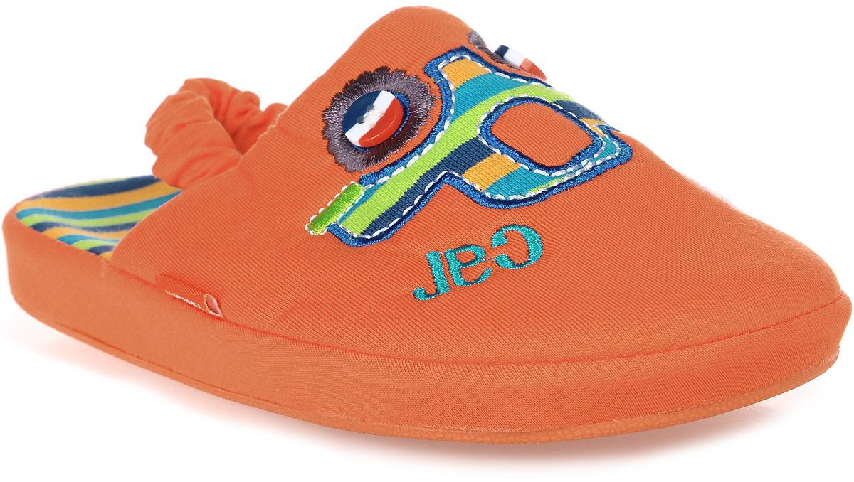 Тапки для мальчика Котофей, цвет: оранжевый. 331027-11. Размер 26331027-11Домашние тапки с закрытым носком для мальчика от Котофей выполнены из текстиля. Верх украшен декоративной нашивкой. Подкладка и стелька выполнены из текстиля. Тапки дополнены резинкой, обтянутой текстилем, для надежной фиксации модели на ноге. Подошва дополнена рифлением.
