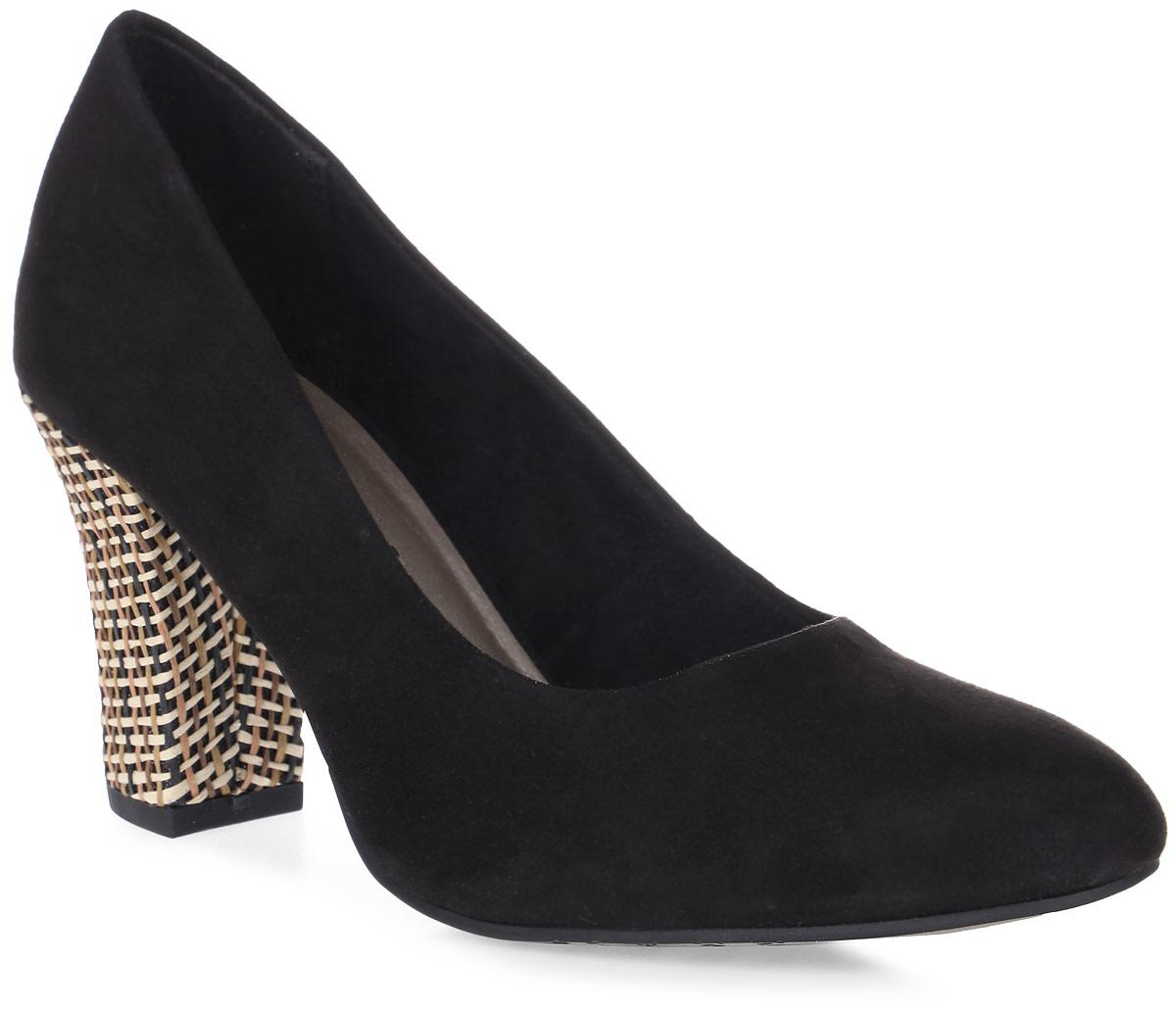 Туфли женские Tamaris, цвет: черный. 1-1-22416-28-042/220. Размер 411-1-22416-28-042Стильные женские туфли Tamaris придутся вам по душе!Модель выполнена из искусственной замши. Невероятно мягкая стелька из искусственной кожи гарантирует максимальный комфорт при движении и позволяет ногам дышать. Устойчивый каблук и подошва с рифленым протектором не скользят.Удобные туфли помогут вам создать яркий, запоминающийся образ и выделиться среди окружающих.