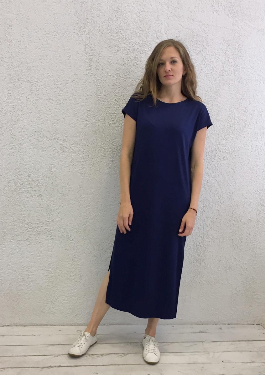 Платье домашнее Marusя Милано, цвет: темно-синий. 171230. Размер L (48)171230Домашнее платье Marusя изготовлено из вискозного материала. Изделие длины макси свободного кроя с короткими рукавами.