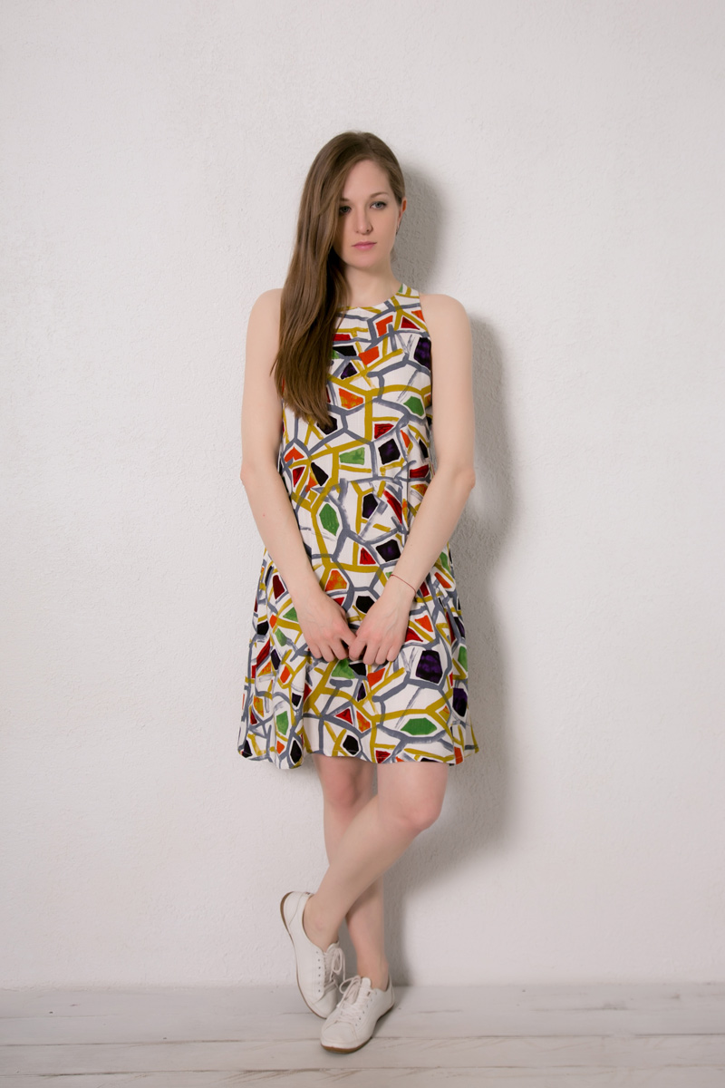 Платье домашнее Marusя, цвет: горчичный. 171228. Размер 50171228Домашнее платье Marusя изготовлено из натурального вискозного материала. Изделие длины миди свободного кроя без рукавов.