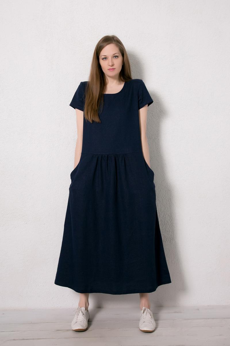 Платье домашнее Marusя, цвет: темно-синий. 171223. Размер 48171223Домашнее платье Marusя изготовлено из натурального льна. Изделие длины макси свободного кроя с короткими рукавами. Модель дополнена карманами.
