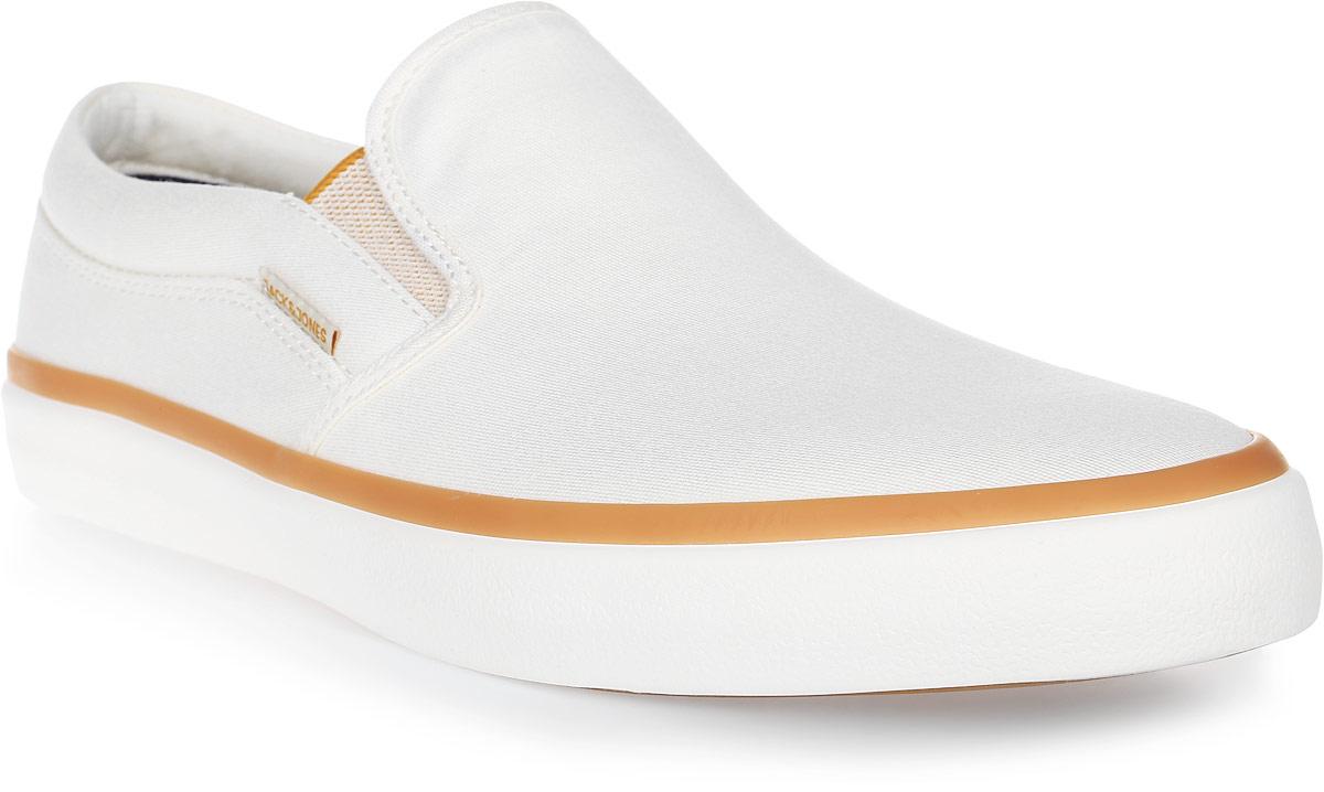 Слипоны мужские Jack & Jones, цвет: молочный. 12120677. Размер 4312120677Мужские слипоны от Jack & Jones выполнены из плотного текстиля. Эластичные вставки на подъеме обеспечивают отличное прилегание обуви к ноге. Внутренняя поверхность и стелька из текстиля комфортны при движении. Подошва изготовлена из легкого ЭВА-материала и дополнена рельефным рисунком. Мягкие и удобные слипоны превосходно подчеркнут ваш стильный образ и подарят комфорт.