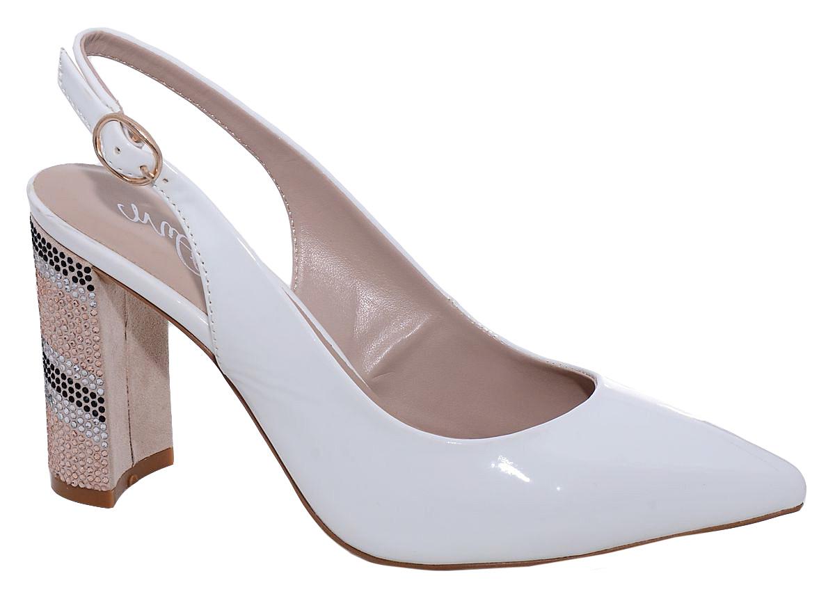 Туфли женские Milton, цвет: бледно-голубой. 42114. Размер 3742114Стильные женские туфли от Milton с открытой пяткой на высоком квадратном каблуке выполнены из искусственной лаковой кожи. На ноге модель фиксируется при помощи ремешка. Подошва изготовлена из термопластичного полимера, стелька выполнена из искусственной кожи.