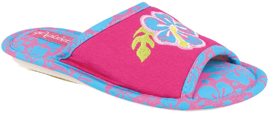 Тапки для девочки Defonseca, цвет: фуксия. BARI G143. Размер 27/28BARI G143Домашние тапки от Defonseca выполнены из качественного текстиля. Модель оформлена вышивкой с оригинальным рисунком. Внутренняя часть выполнена из мягкого текстиля. Подошва изготовлена из легкой гибкой резины.