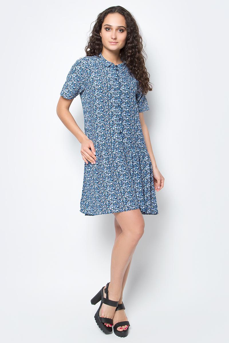 Платье Tom Tailor, цвет: синий, белый, оранжевый. 5019723.00.71_6593. Размер M (46)5019723.00.71_6593Короткое летнее платье Tom Tailor станет украшением гардероба любой женщины. Выполнено из легкой вискозной ткани, которая идеальна для летней жары - позволяет коже дышать, создает определенный микроклимат для тела, защищая от палящих лучей солнца. Модель расклешенного силуэта с отложным воротником и короткими рукавами оформлено ярким цветочным принтом.