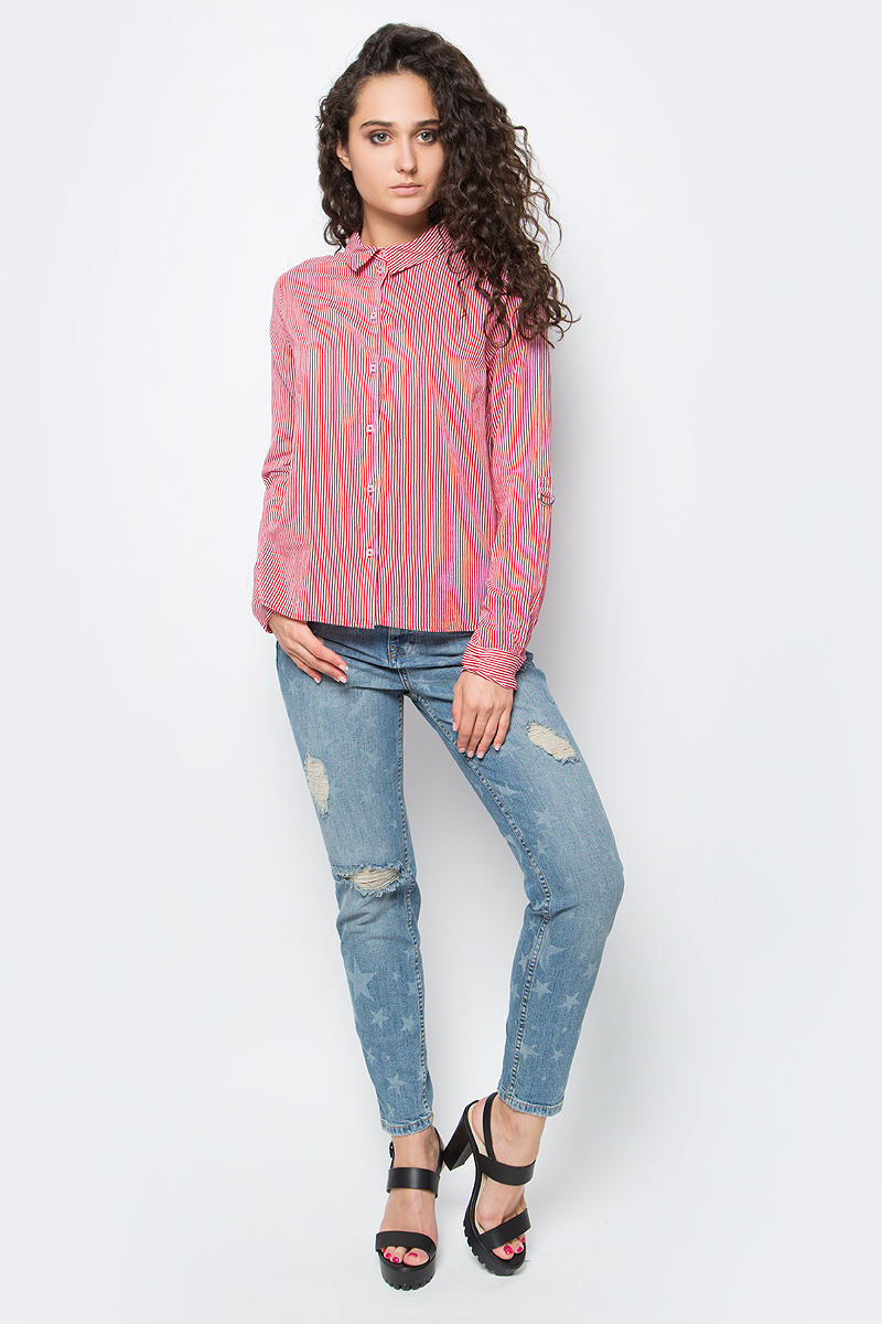 Рубашка женская Tom Tailor, цвет: красный, белый. 2033254.00.75_4467. Размер 38 (44)2033254.00.75_4467Стильная женская рубашка Tom Tailor, выполненная из натурального хлопка, подчеркнет ваш уникальный стиль и поможет создать оригинальный образ. Такой материал великолепно пропускает воздух, обеспечивая необходимую вентиляцию, а также обладает высокой гигроскопичностью. Рубашка с длинными рукавами и отложным воротником застегивается на пуговицы спереди. Манжеты рукавов также застегиваются на пуговицы. Рубашка оформлена принтом в полоску. Такая рубашка будет дарить вам комфорт в течение всего дня и послужит замечательным дополнением к вашему гардеробу.