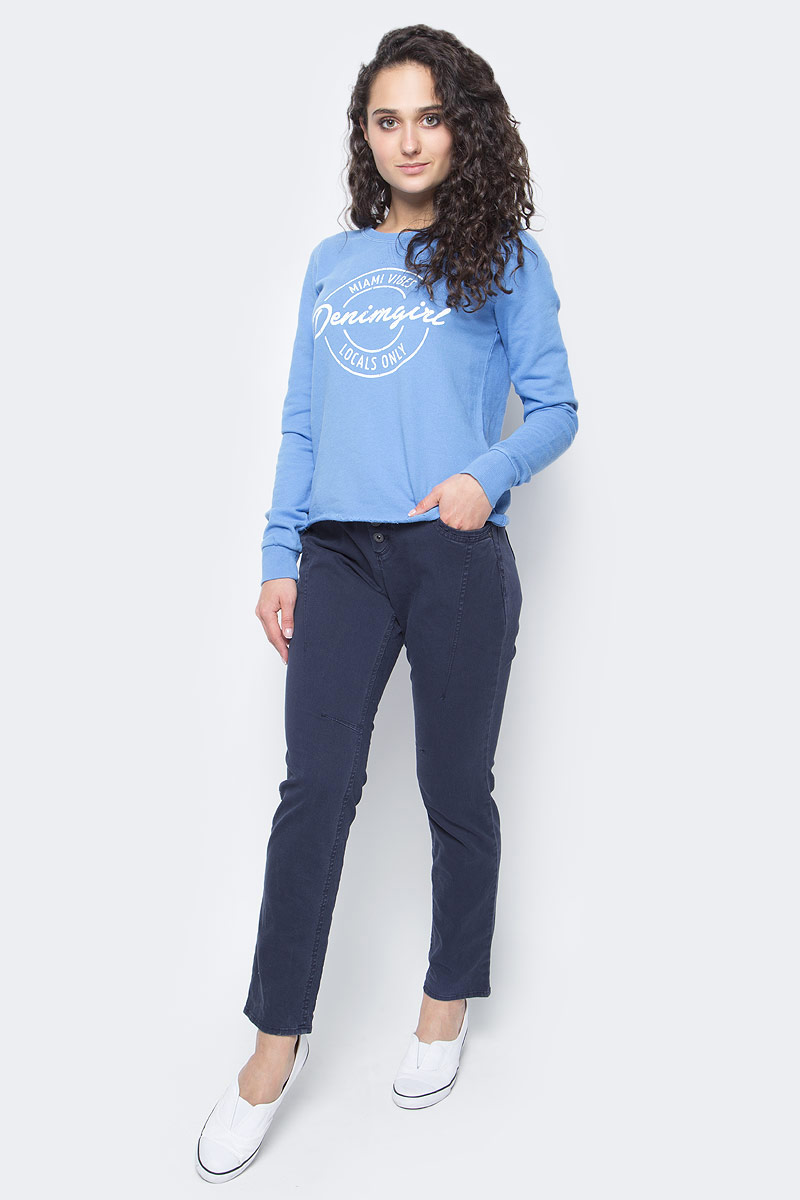 Джемпер женский Tom Tailor, цвет: синий. 2531199.00.71_6718. Размер L (48)2531199.00.71_6718Стильный женский джемпер Tom Tailor, выполненный из высококачественного 100% хлопка, необычайно мягкий и приятный на ощупь, не сковывает движения, обеспечивая наибольший комфорт. Джемпер с круглым вырезом горловины и длинными рукавами идеально гармонирует с любыми предметами одежды и будет уместен и на отдых, и на работу. Рукава дополнены широкими трикотажными манжетами. Оформлено изделие крупным буквенным принтом.