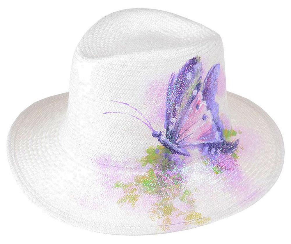 Шляпа женская Dispacci, цвет: белый. 51969. Размер 56/5851969Шляпа Dispacci украсит любой наряд. Шляпа оформлена принтовым рисунком. Благодаря своей форме, модель удобно садится по голове и подойдет к любому стилю. Такая шляпка подчеркнет вашу неповторимость и дополнит ваш повседневный образ.