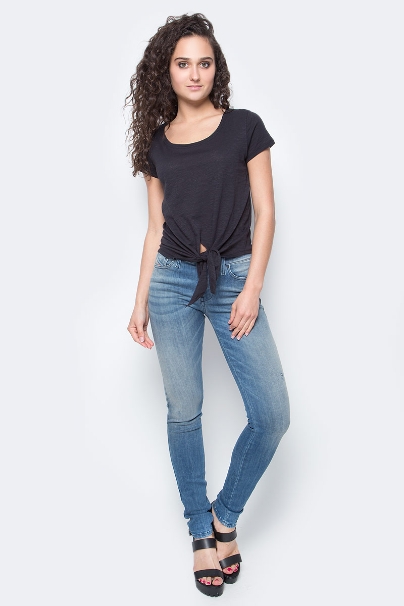 Футболка женская Only, цвет: черный. 15138468_Black. Размер L (48)15138468_BlackСтильная женская футболка Only подчеркнет ваш стиль и поможет создать оригинальный образ. Модель имеет короткие рукава и круглый вырез горловины. Изделие дополнено узелком.