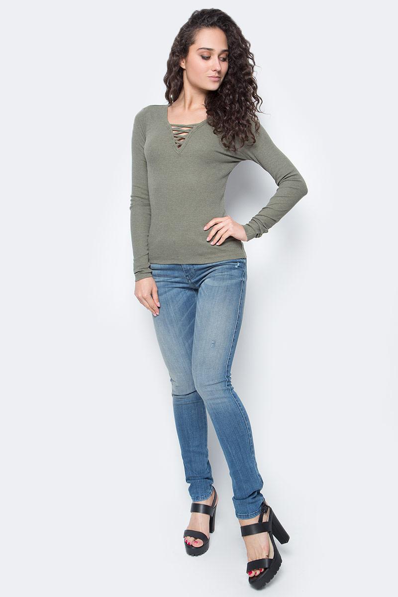 Лонгслив женский Only, цвет: хаки. 15136438_Kalamata. Размер L (48)15136438_KalamataЛонгслив женский Only подчеркнет ваш стиль и поможет создать оригинальный женственный образ. Модель имеет приталенный силуэт, длинные рукава и V-образный вырез горловины, декорированный шнуровкой.