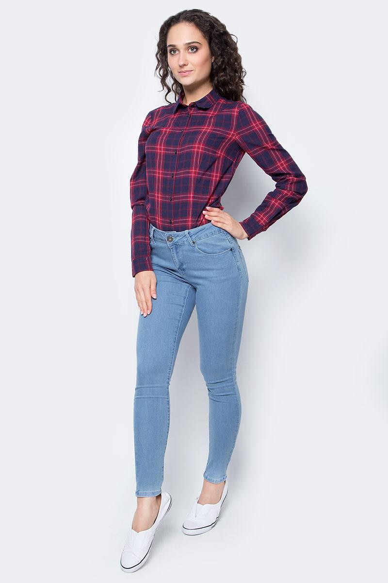 Джинсы женские Top Secret, цвет: голубой. SSP2347NI. Размер 42 (48)SSP2347NIЖенские джинсы Top Secret изготовлены из хлопка с добавлением полиэстера и эластана. Укороченная модель-скинни застегивается на пуговицу и имеет ширинку на застежке-молнии. Спереди расположены два втачных кармана и один маленький накладной, сзади - два накладных кармана.