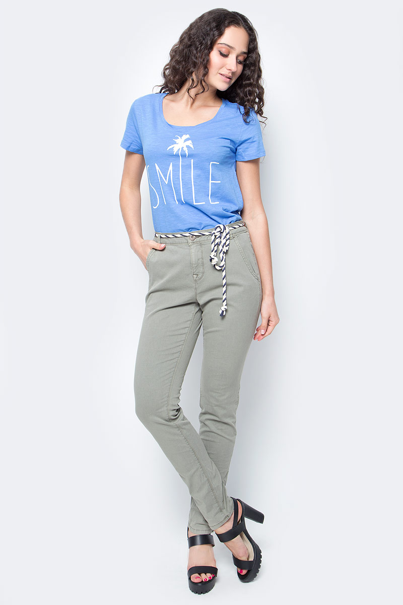 Брюки женские Tom Tailor, цвет: серый. 6404885.09.71_7771. Размер M (46)6404885.09.71_7771Женские брюки Tom Tailor, стилизованные под джинсы, изготовлены из эластичного хлопка. Брюки на талии застегиваются на пуговицу, так же предусмотрена ширинка за застежке-молнии. Модель на талии дополнена шлевками для ремня и оригинальным пояском. По бокам имеются два втачных кармана, а сзади - два прорезных кармана.Такие брюки великолепно дополнят базовый гардероб современной и уверенной в себе девушки.
