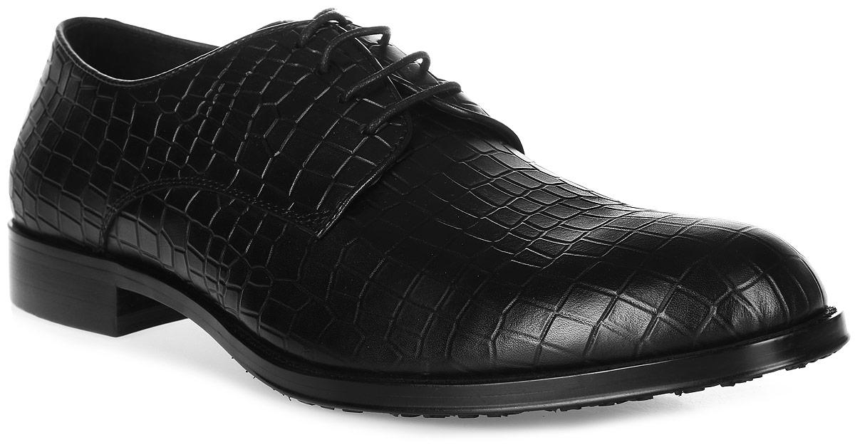 Туфли мужские Vitacci, цвет: черный. M23592. Размер 40M23592Трендовые мужские туфли Vitacci займут достойное место в вашем гардеробе. Модель изготовлена из высококачественной натуральной кожи и оформлена декоративным тиснением под рептилию. Шнуровка надежно фиксирует изделие на ноге. Стелька из натуральной кожи позволяет ногам дышать. Каблук и подошва с рифлением гарантируют отличное сцепление с любой поверхностью. Стильные туфли не оставят равнодушным ни одного мужчину.