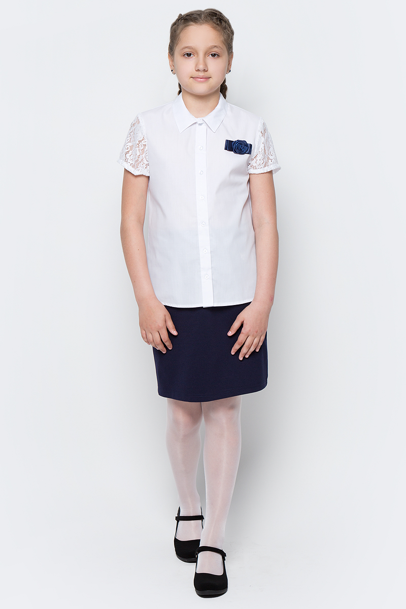 Блузка для девочки Nota Bene, цвет: белый. CWR27020B01. Размер 152CWR27020B01/CWR27020A01Стильная блузка для девочки от Nota Bene выполнена из хлопка и полиэстера. Модель с отложным воротником и короткими кружевными рукавами застегивается на пуговицы.