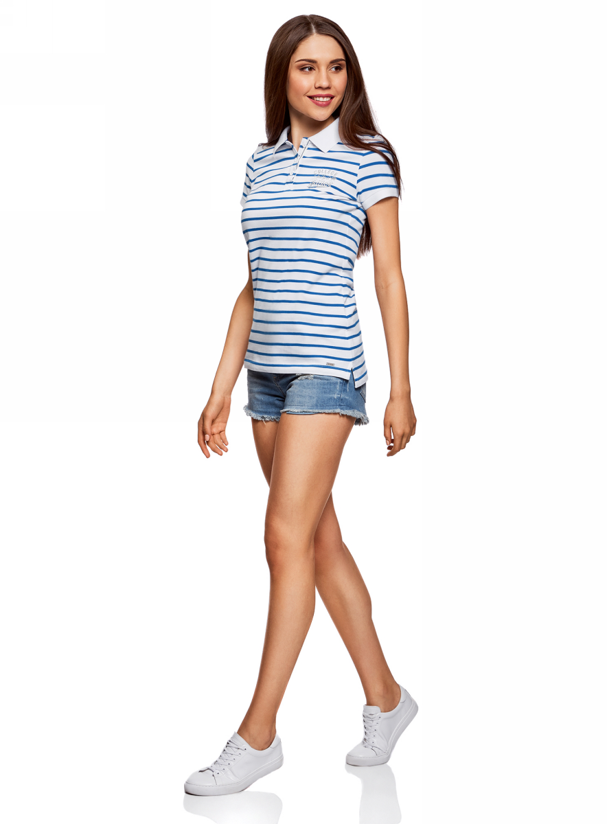 Поло женское oodji Collection, цвет: белый, синий. 29301002-3/46958/1075S. Размер L (48)29301002-3/46958/1075SПоло с контрастной отделкой и вышивкой на груди