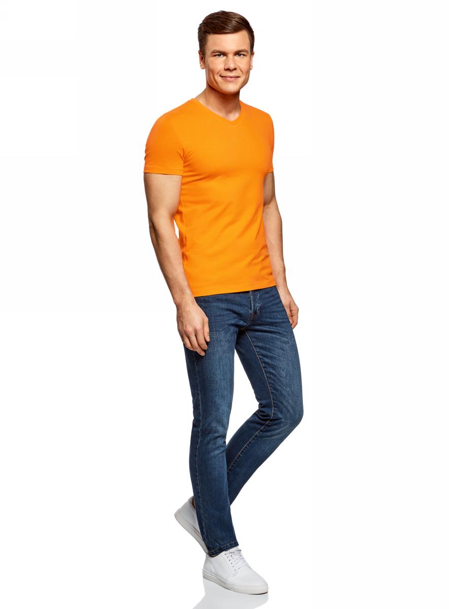 Футболка мужская oodji Basic, цвет: оранжевый. 5B612002M/46737N/5500N. Размер L (52/54)5B612002M/46737N/5500NБазовая футболка с V-образным вырезом горловины и короткими рукавами выполнена из эластичного хлопка.