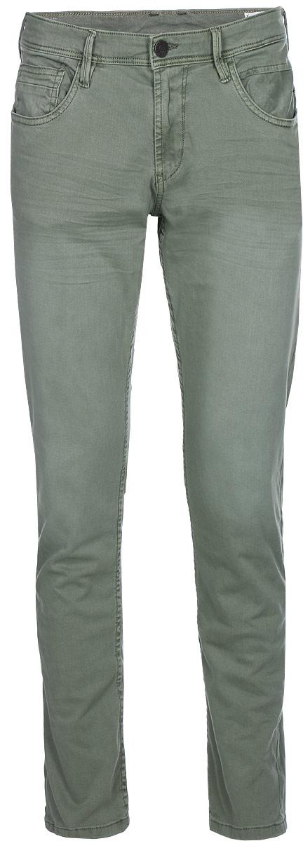 Джинсы мужские Tom Tailor Denim, цвет: серый. 6205728.00.12_7057. Размер 34-32 (50-32)6205728.00.12_7057Мужские джинсы от Tom Tailor выполнены из эластичного хлопка. Модель прямого кроя на талии застегивается при помощи пуговицы и ширинки на застежке-молнии, имеются шлевки для ремня. Джинсы имеют классический пятикарманный крой.
