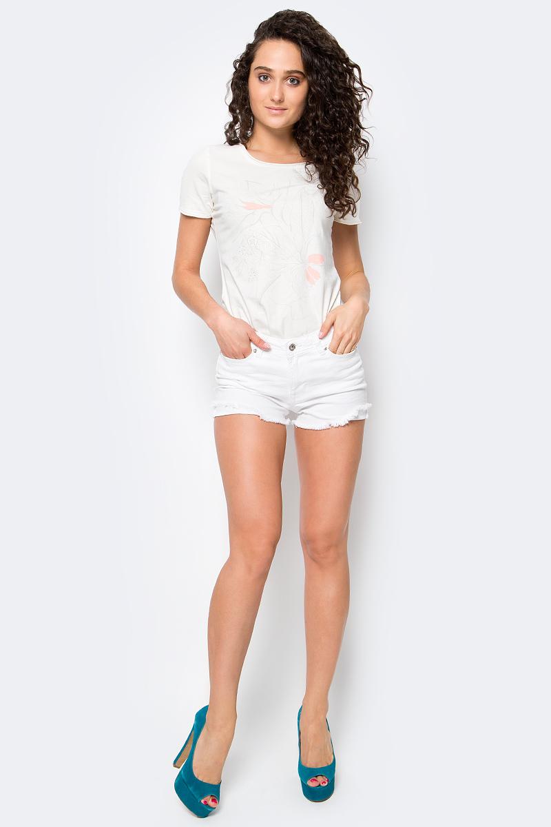 Шорты женские Tom Tailor Denim, цвет: белый. 6205540.00.71_2000. Размер 25 (40/42)6205540.00.71_2000Джинсовые шорт от Tom Tailor выполнены из эластичного хлопка. Модель на талии застегивается на пуговицу и ширинку на молнии, имеются шлевки для ремня. Шорты имеют классический пятикарманный крой.