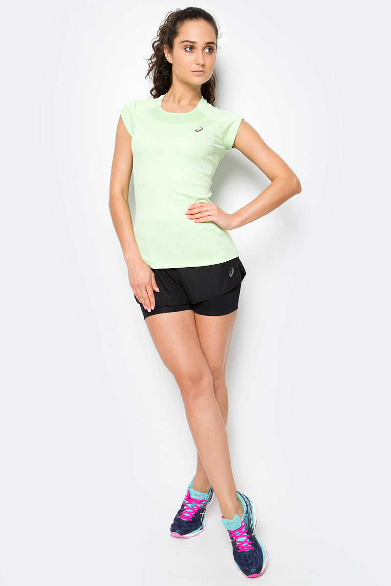 Шорты для бега женские Asics 2-N-1 3.5in Short, цвет: черный. 141227-0904. Размер XS (40/42)141227-0904Женские шорты Asics 2-N-1 3.5in Short отличным дополнением к вашему спортивному гардеробу. Они выполнены из полиэстера, удобно сидят и превосходно отводят влагу от тела, оставляя кожу сухой. Модель дополнена эластичной резинкой на поясе. Эти модные шорты идеально подойдут для бега и других спортивных упражнений. В них вы всегда будете чувствовать себя уверенно и комфортно.