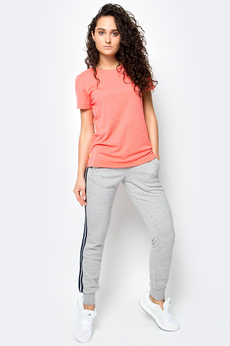 Футболка женская Adidas, цвет: персиковый. BP6713. Размер XL (52/54)BP6713Серьезные тренировки требуют лучшего комфорта. Данная модель имеет технологию ClimaChill, которая отводит тепло и сохраняет прохладу даже при сильных нагрузках.