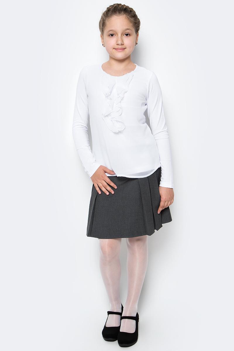 Блузка для девочки Gulliver, цвет: белый. 217GSGC1203. Размер 128217GSGC1203В преддверии учебного сезона, купить школьную блузку для девочки необходимо! Модные школьные блузки от Gulliver будут пользоваться заслуженным спросом, так как они - важная составляющая элегантного школьного гардероба. Школьная блузка с красивым воланом из мягкого пластичного трикотажа - достойная альтернатива текстильной блузке! Она имеет прекрасный внешний вид и соответствует школьному дресс-коду, но более комфортна, не стесняет движений, позволяя девочке быть самой собой. Школьная белая блузка для девочек от Gulliver сделает образ ребенка романтичным, элегантным, изысканным.