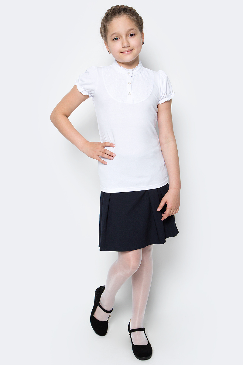Блузка для девочки Scool, цвет: белый. 374496. Размер 122, 7 лет374496Блузка для девочки Scool выполнена из эластичного хлопка. Блузка с воротником-стойкой и короткими рукавами-фонариками украшена кружевной вставкой.
