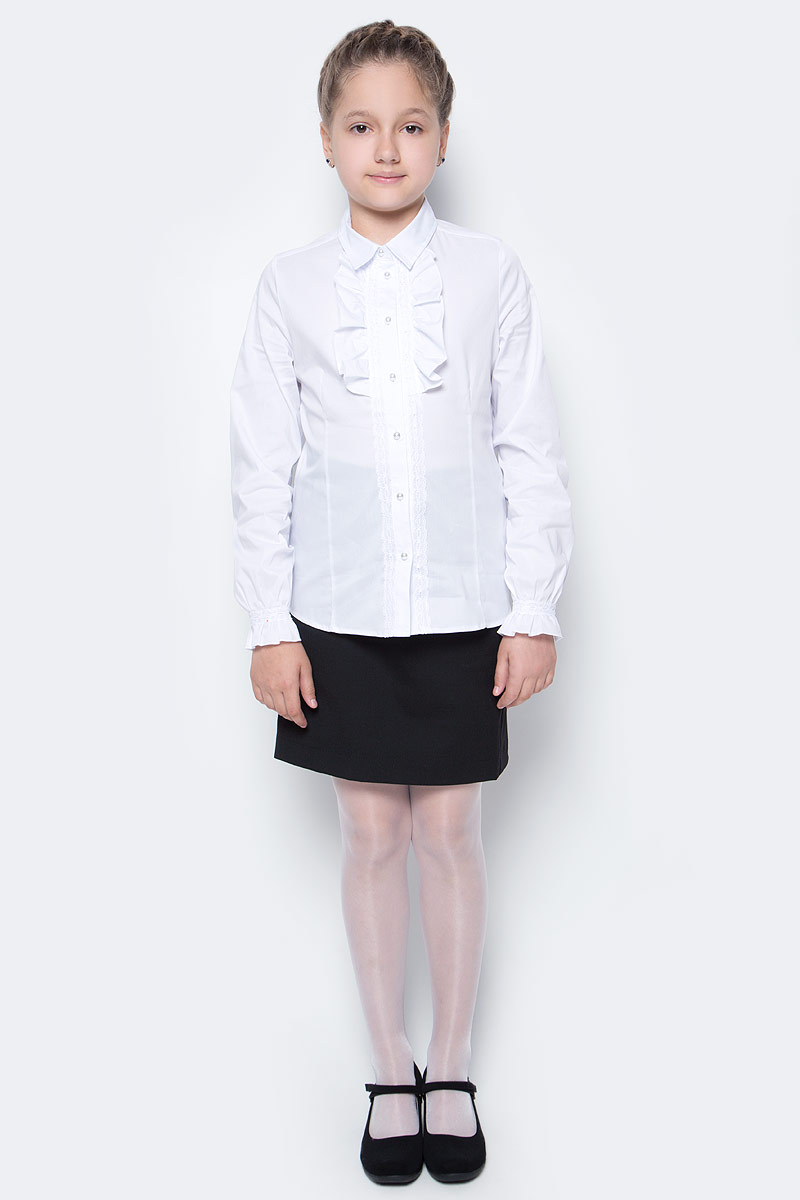 Блузка для девочки Button Blue, цвет: белый. 217BBGS22020200. Размер 128, 8 лет217BBGS22020200Блузки для школы купить не сложно, но выбрать модель, сочетающую прекрасный состав, элегантный дизайн, привлекательную цену, не так уж и легко. Школьная блузка с жабо понадобится 1 сентября как никогда, придав образу торжественность и элегантность. Блузка изготовлена из качественной смесовой ткани. Модель с длинными рукавами и отложным воротником застегивается на пуговицы.