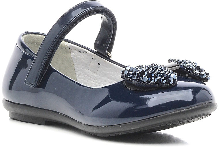 Туфли для девочки Зебра, цвет: темно-синий. 11147-5. Размер 2511147-5Стильные туфли для девочки Зебра гарантируют здоровое и правильное развитие ног ребенка.Модель выполнена из лакированной искусственной кожи и оформлена бантиком с декоративными элементами. Внутренняя отделка выполнена из натуральной кожи. Туфли имеют внутреннюю форму, которая соответствует анатомическому строению стопы ребенка, что гарантирует комфортное положение ноги и обеспечивает условия, необходимые для ее роста и нормального функционирования. Удобная застежка-липучка быстро и надежно фиксирует обувь на ноге ребенка, а формованный жесткий задник, плотно охватывающий пятку, обеспечивает правильную установку стопы внутри туфель, предотвращая развитие деформаций.Стелька с супинатором, изготовленная из натуральной кожи, учитывает анатомические особенности строения детской стопы, обеспечивает им наилучшую защиту и профилактику от развития плоскостопия, гарантирует ногам ребенка ощущение комфорта и легкости при ходьбе, уменьшает усталость мышц и связок.Рифленая подошва туфель из легкого полимерного термопластичного материала обладает высокой прочностью, гибкостью, надежным сцеплением с различными покрытиями, не пачкает полы и оставляет следов и полос.