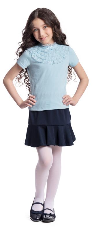 Блузка для девочки Scool, цвет: голубой. 374500. Размер 146, 11 лет374500Блузка для девочки Scool выполнена из эластичного хлопка. Блузка с воротником-стойкой и короткими рукавами застегивается сзади на пуговицу. Модель декорирована кружевными вставками и атласным бантиком.