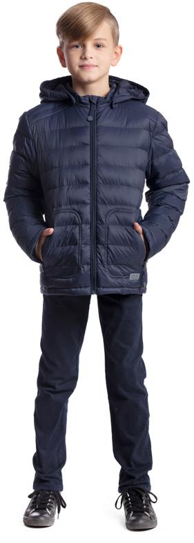 Куртка для мальчика Scool, цвет: темно-синий. 373404. Размер 152, 12 лет373404Практичная утепленная куртка Scool изготовлена из ткани со специальной водоотталкивающей пропиткой. Куртка с капюшоном застегивается на молнию с защитой подбородка. Капюшон дополнен по краю резинкой, пристегивается к куртке с помощью кнопок. Спереди расположены два кармана на молнии. Светоотражающие элементы на рукаве и по низу изделия обеспечат безопасность ребенка в темное время суток.